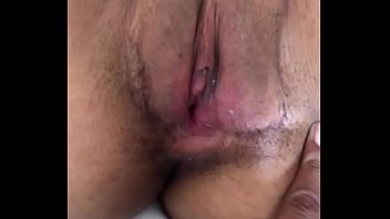 Секс с молодой секретаршей в кабине на хорошем столе