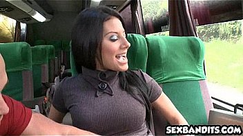 Беременная секретарша мастурбирует боссу