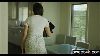 Усатый качок больно пялит классную женщину в перерытой комнатушке