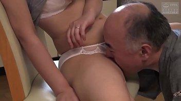 Юноша и женщина познакомились в бассейне и решились организовать секс в воде