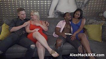 Подборка дамских сквирт оргазмов